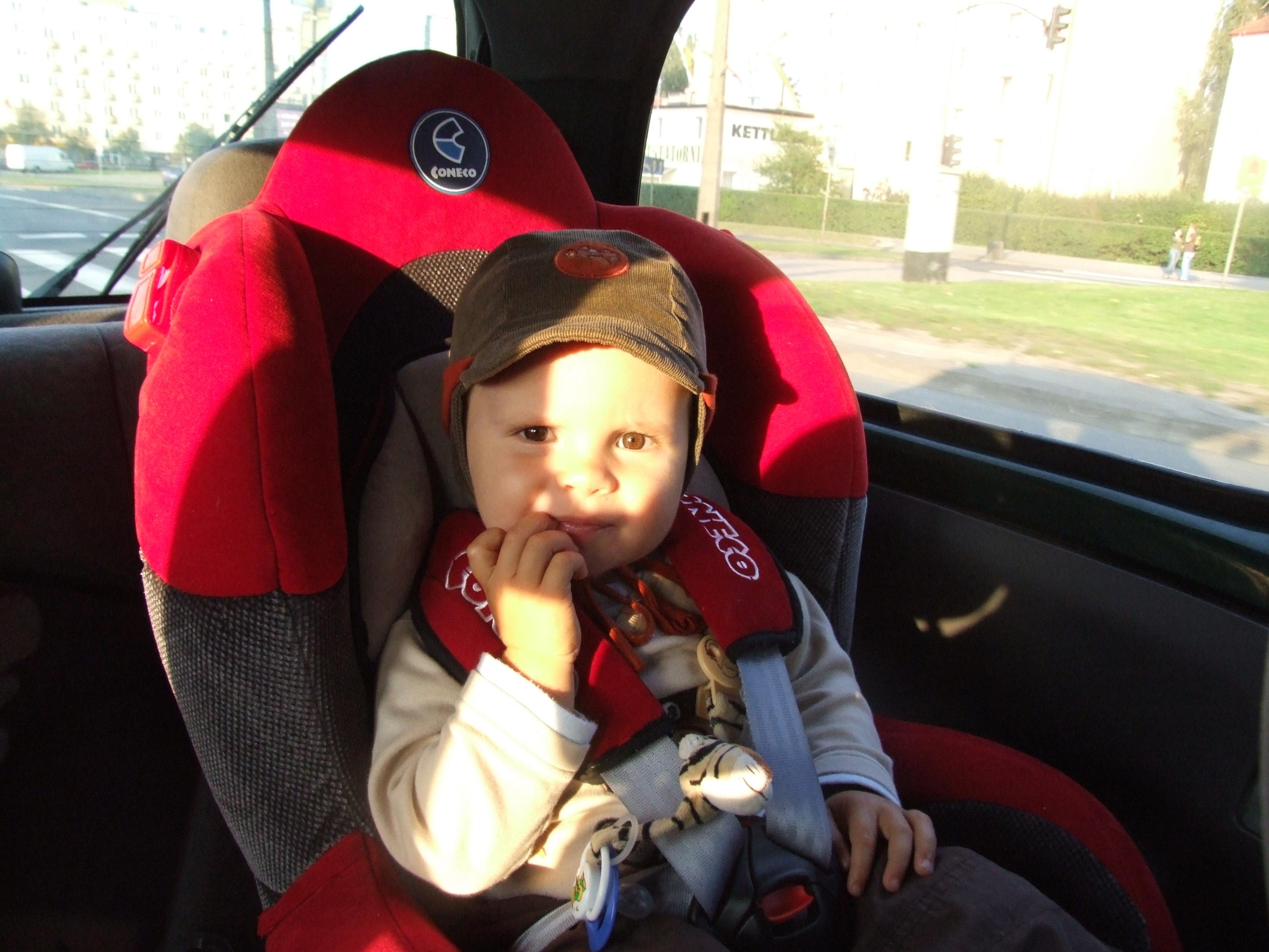 Fotelik samochodowy dla dziecka - bezpieczeństwo a cena