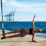 Taśmy TRX – jak ćwiczyć na nich brzuch